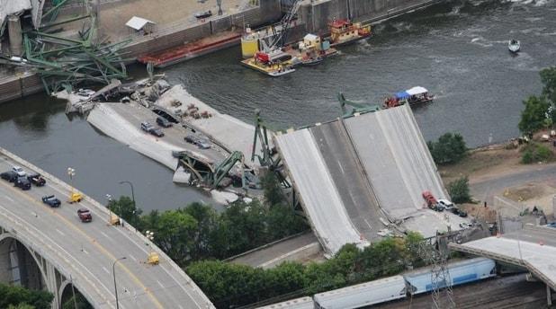 Image of the Mississippi Bridge Collapse